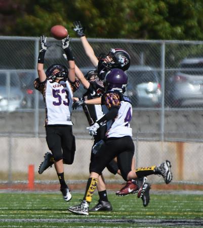 2016-09-24 - Sophomore - Black vs Issaquah Purple