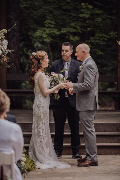 2018-05-12_ROEDER_JulieSeth_Wedding_ROEDER2_0043.jpg