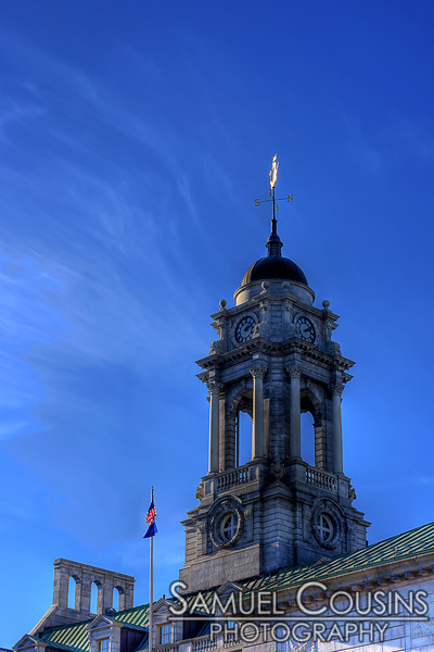 Blue skies and thin clouds over Portland City Hall.