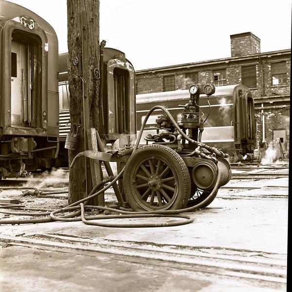 48445759_trainyard