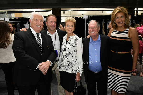 Dennis Basso, Michael Cominotto, Leba Sedaka, Neil Sedaka, Hoda Kotb