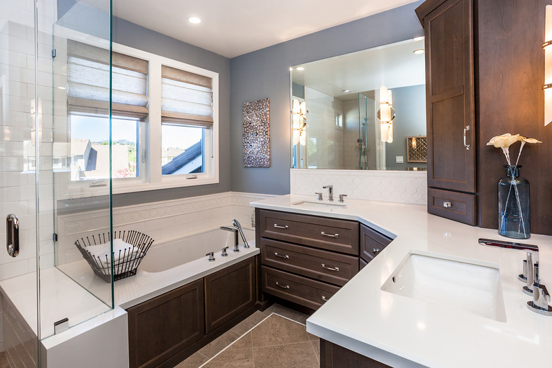 32155 Beachlake Master Bath 3.jpg