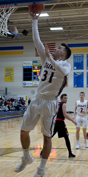 Manchester ousts top-seeded Wellington
