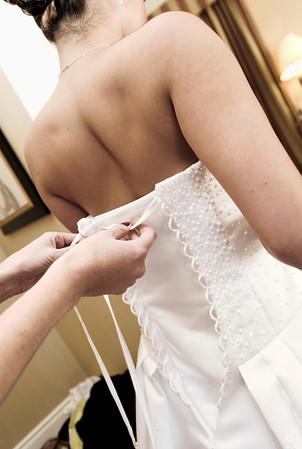 05 Bride Getting Ready (White Wedding)