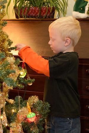 2012-12-13 Decorating Tree