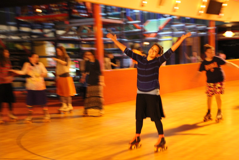 kars4kids_thezone_camp_GirlDivsion_trips_RollerSkating (33).JPG