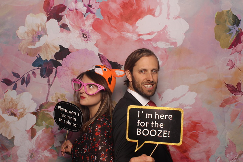 MangoStudios_Photobooth_Catherine and Sean22.jpg