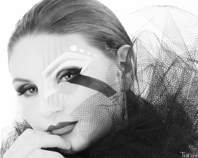 Avant Garde featuring Raychelle