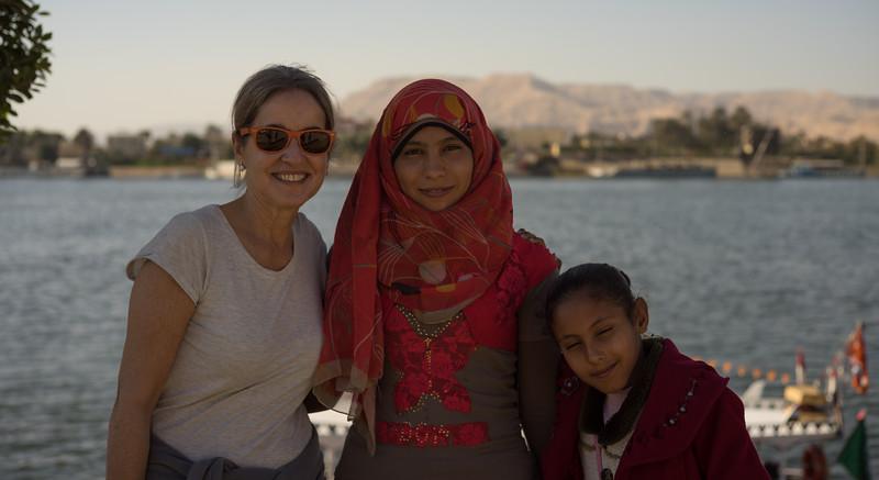 Niñas egipcias con Celia