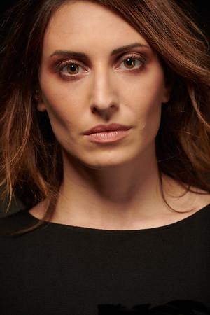 Lara F