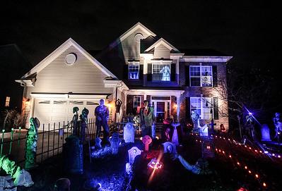 20141020 - Halloween House (SN)