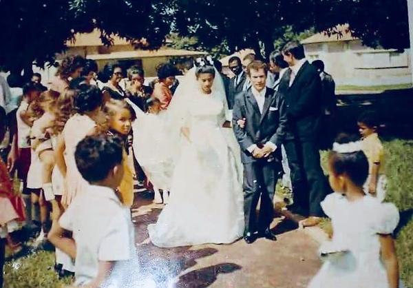 Andrada, os noivos Maria Augusta Gomes e Seixas que trabalhava nos Diversos em Andrada