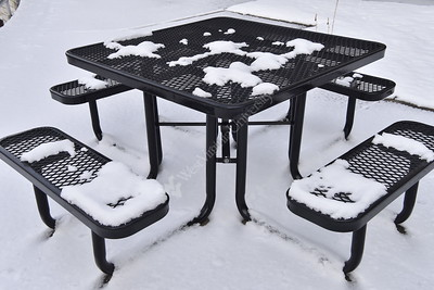 32998 WVU Medicine Campus Snow Scenes Jan 2017