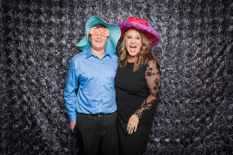 Lynn + Nancy Photobooth-140.jpg
