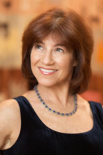 Helen Scarr