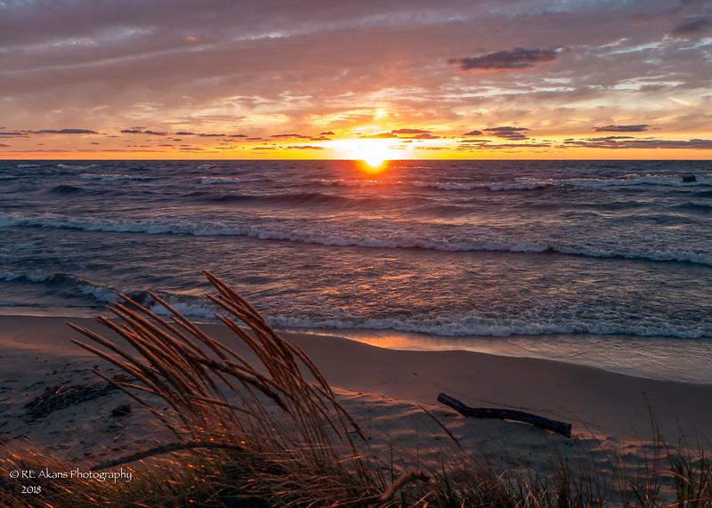 Oval Beach Sunset 0598.jpg