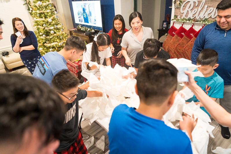 20191225_christmas-ho-family_099.jpg