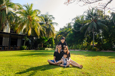 Amy Kong Family portraits