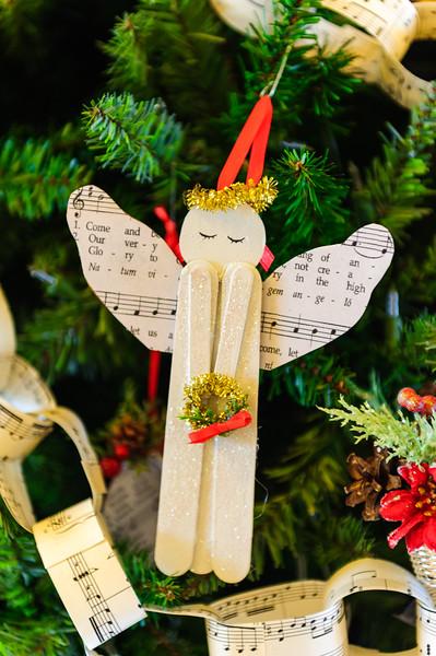 20151215 Faith Formation Christmas Tree-6098.jpg