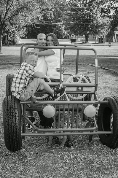 AshleyAndTreyBW (31 of 33).jpg