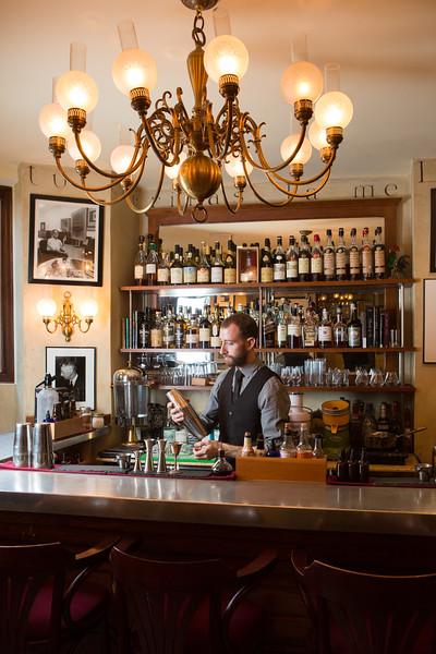restaurant-002.jpg