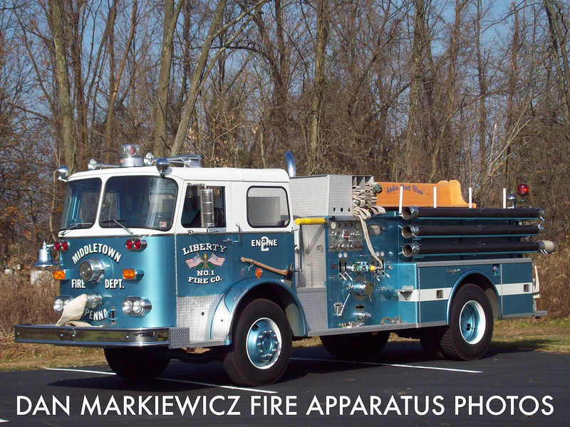 MIDDELTOWN FIRE DEPT. ANTIQUE 1965 SEAGRAVE PUMPER
