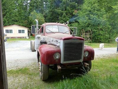 Mack B755
