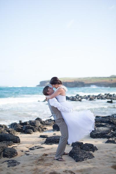 gillin beach kauai wedding-143.jpg