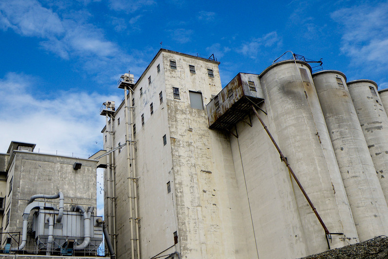 And the skies really cleared.  Even old warehouses and silos look nice with a sky like this.