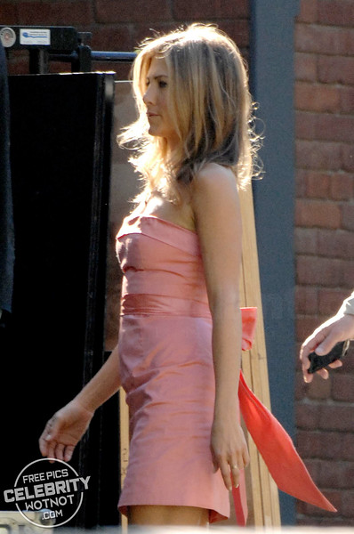 Jennifer Aniston Wears A Bridesmaid Dress Filming In Los Angeles