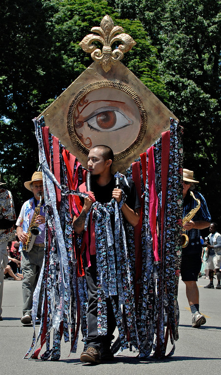 ". Jeff Forman/JForman@News-Herald.com ""Lover\'s Eyes\"" at the Cleveland Museum of Art 25th annual Parade the Circle June 14 in University Circle."