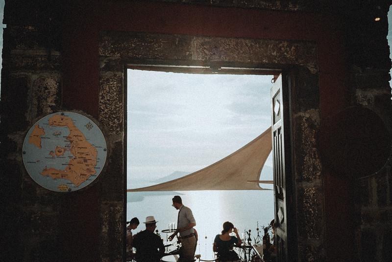 Tu-Nguyen-Wedding-Photography-Videography-Hochzeitsfotograaf-Engagement-Santorini-Oia-Greece-Thira-4.jpg