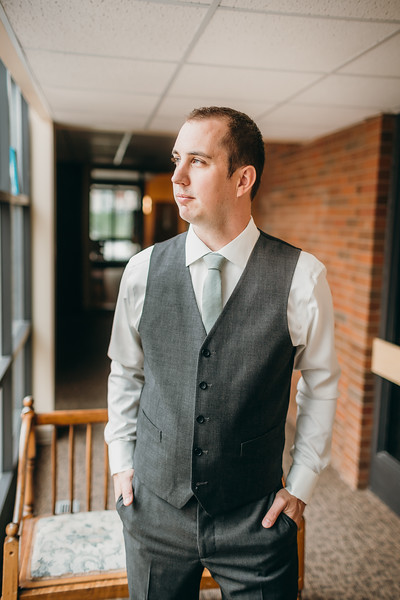 [Groom Prep] Shelby-Josh-29.jpg