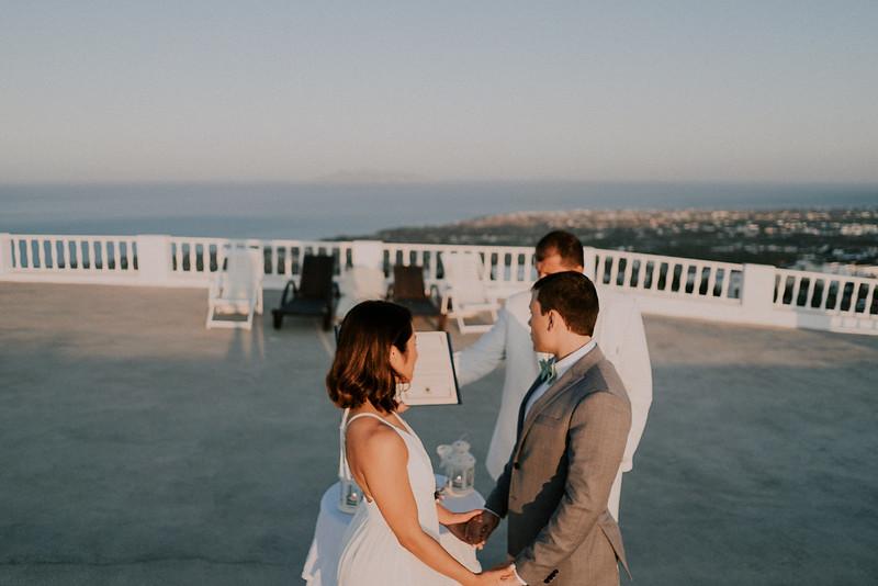 Tu-Nguyen-Destination-Wedding-Photographer-Santorini-Elopement-Alex-Diana-123.jpg