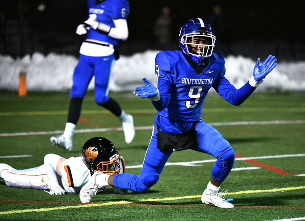 12/4/2019 Mike Orazzi | StaffrSouthingtons Donell Mackey-Woodson (9) during the Class LL football playoff with Ridgefield at Southington High School on Wednesday night.