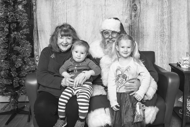 Ameriprise-Santa-Visit-181202-4971-BW.jpg