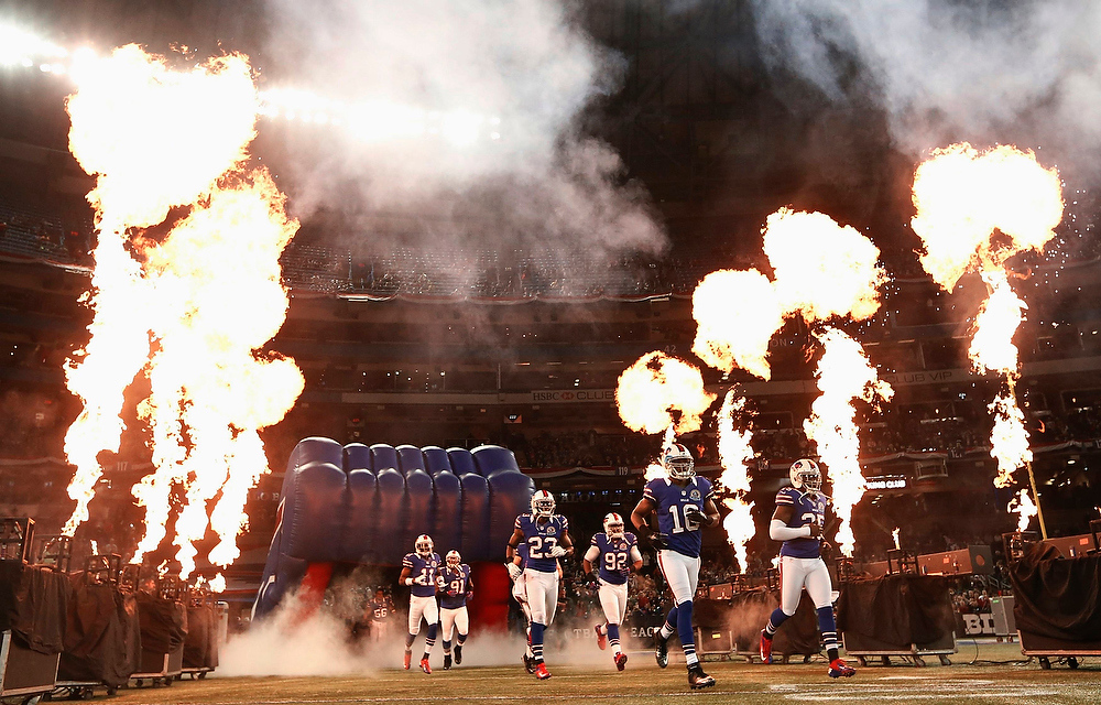 . The Buffalo Bills take the field before their NFL football game against the Seattle Seahawks in Toronto, December 16, 2012. REUTERS/Mark Blinch