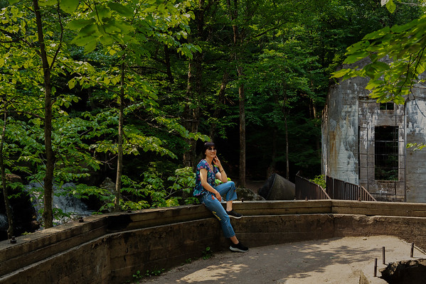 Photoshoot with Yuan Yuan and William at Carbide Willson Ruins