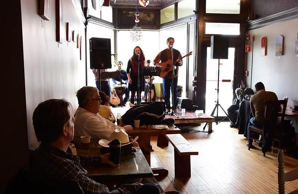 Domingo Brunch at Dottie's Coffee Lounge- 021818