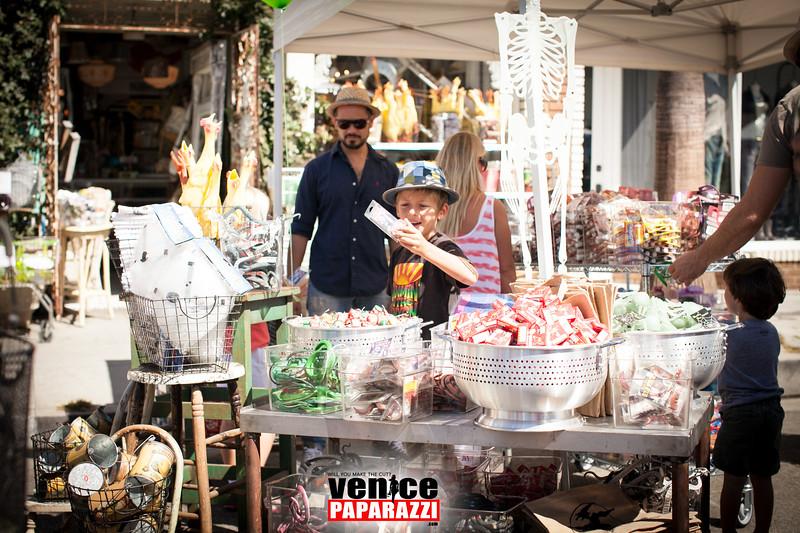 VenicePaparazzi-31.jpg