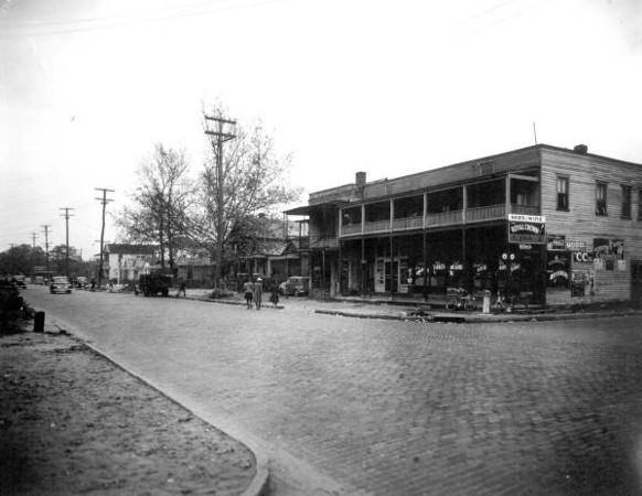 Davis St Bakery - Griffin 2nd St 1941.jpg