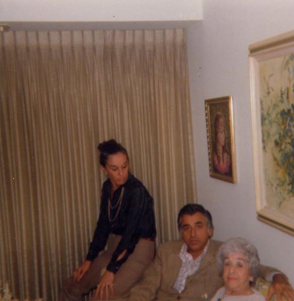 Mom, Dad & Helen.jpg