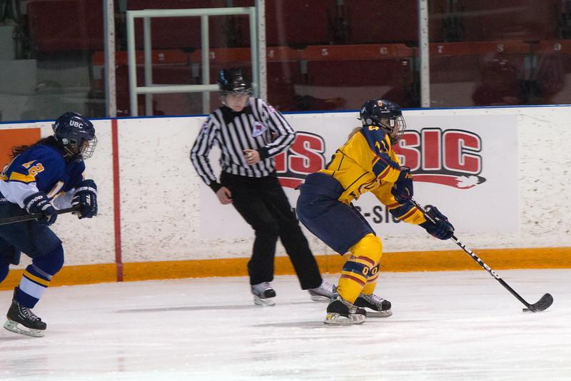 20130310 QWHockeyvsUBC 161.jpg