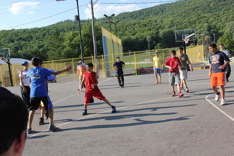 kars4kids_thezone_camp_boys_basketball (17).JPG