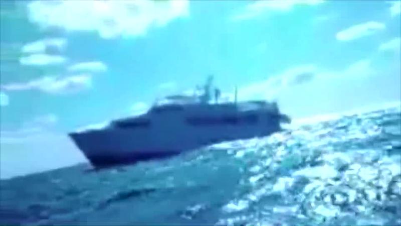 Broward M/Y LYS D'O Sinking off Bahamas - 2010