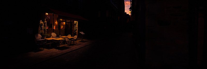 Cafe on the street Dinan, FR.jpg
