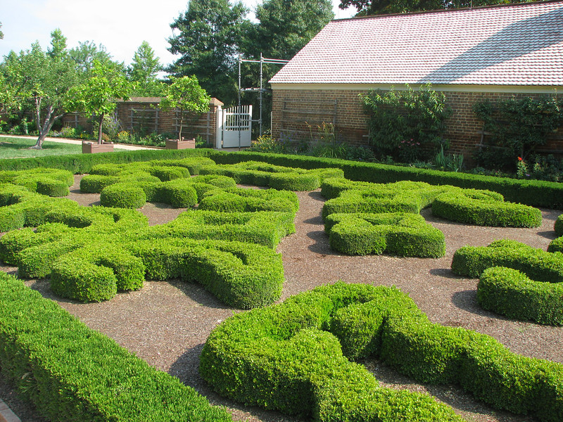 So many beautiful gardens at Mount Vernon