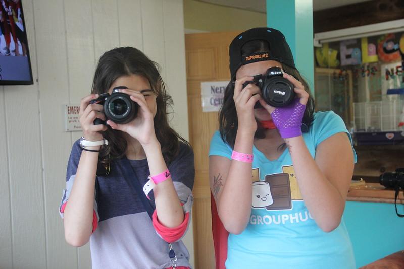 kars4kids_thezone_camp_GirlDivsion_workshops_Photography (20).JPG