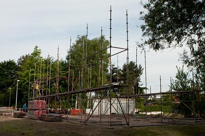 Bloemencorso 2010 - Bouwen van de tent