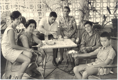 1964  Zizi, D. Ausília, Basílio, Avó Maria do Carmo, Vitó, Luis
